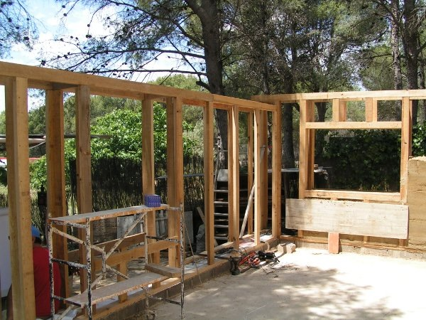 Estructura De Madera Bioconstrucción Casas De Paja Construcción Sana Y Sostenible